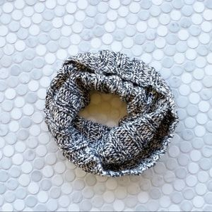 Gap Knit Extra Warm Infinity Neck Warmer Scarf